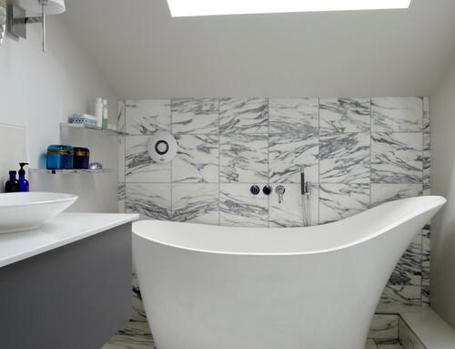 Bañeras exentas (tipo isla) económicas y para baños pequeños